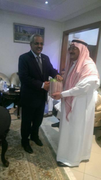 سفير موريتانيا في السنغال يلتقي عددا من نظرائه (صور)